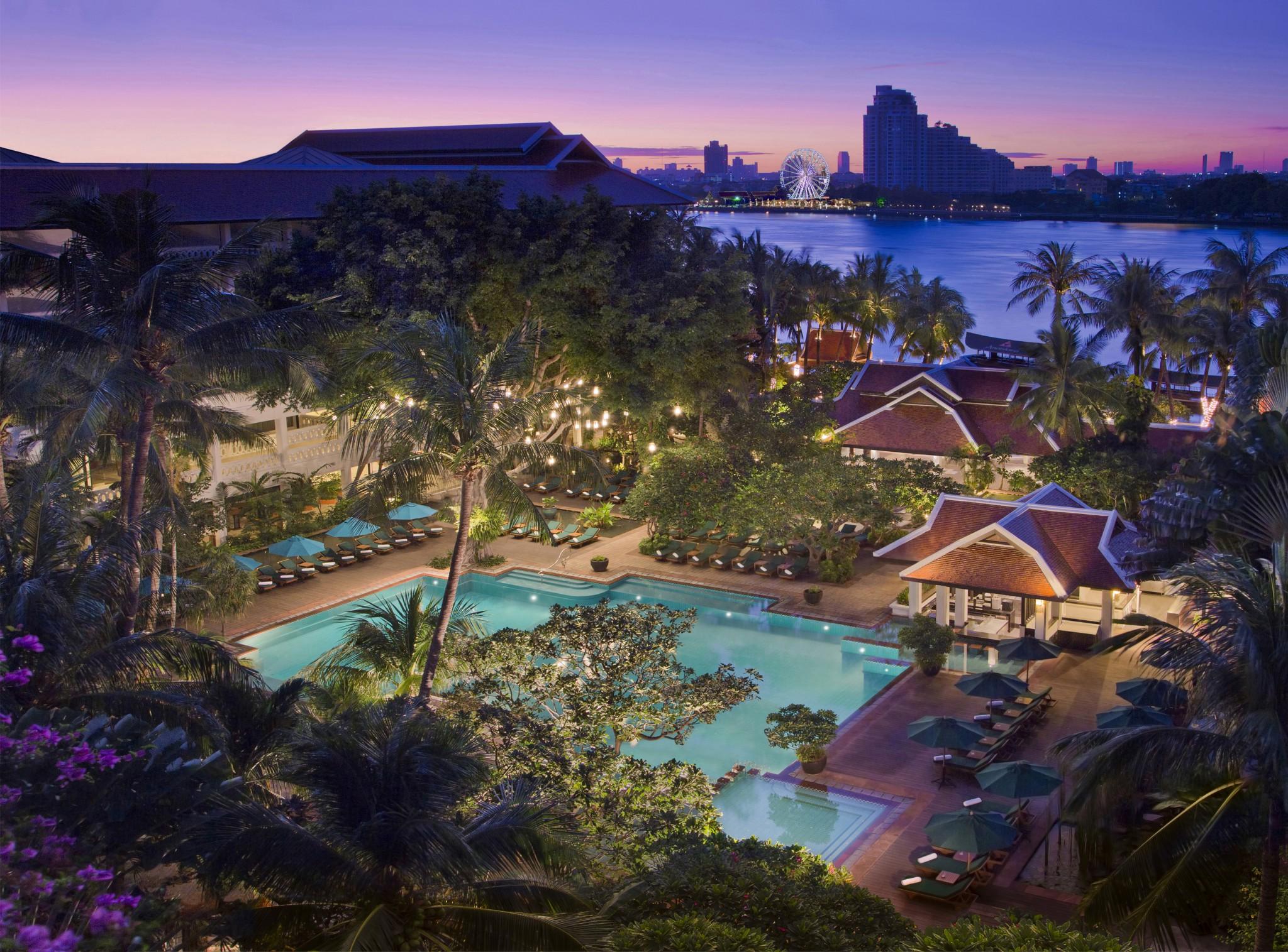 Anantara Riverside Resord är ett av många flodnära lyxhotell i Bangkok. Foto: Anantara