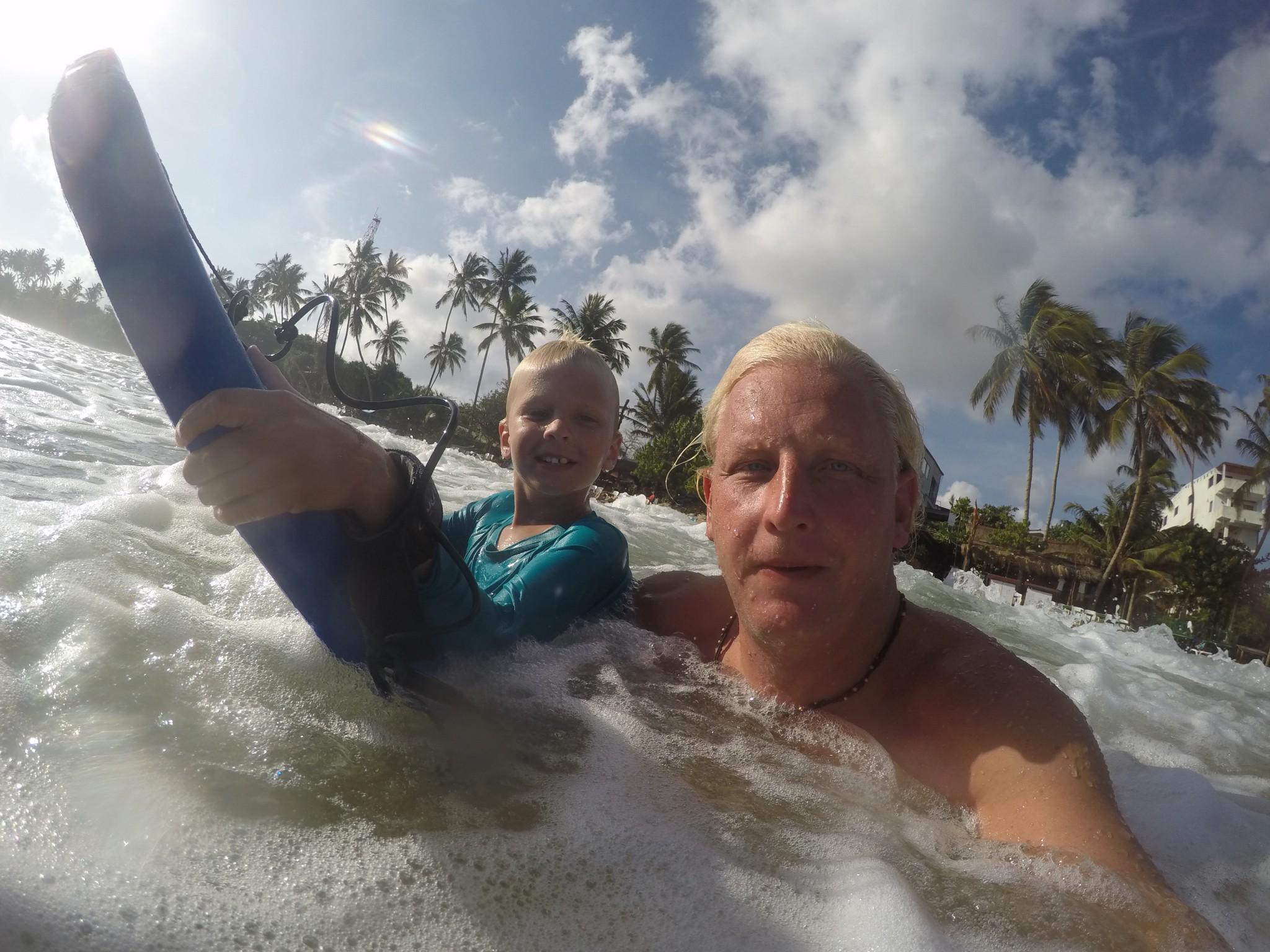 mirissa surfa