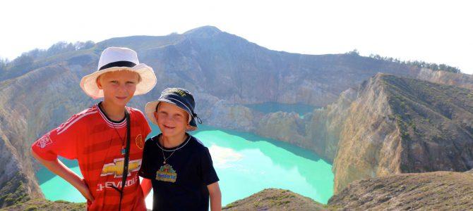Kelimutu! ÄNTLIGEN uppe på vulkanen i Flores