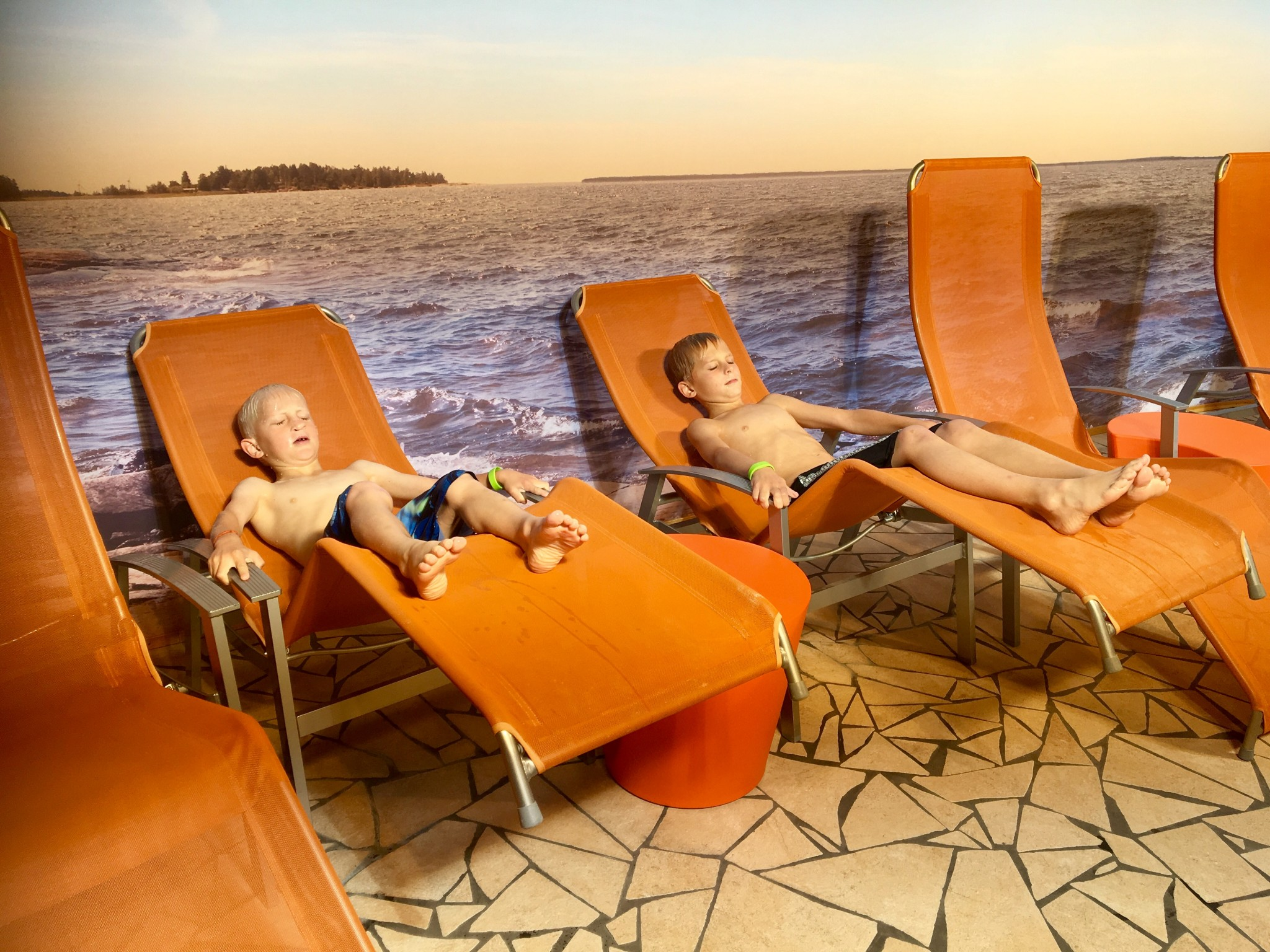 sundstabadet relax med barn