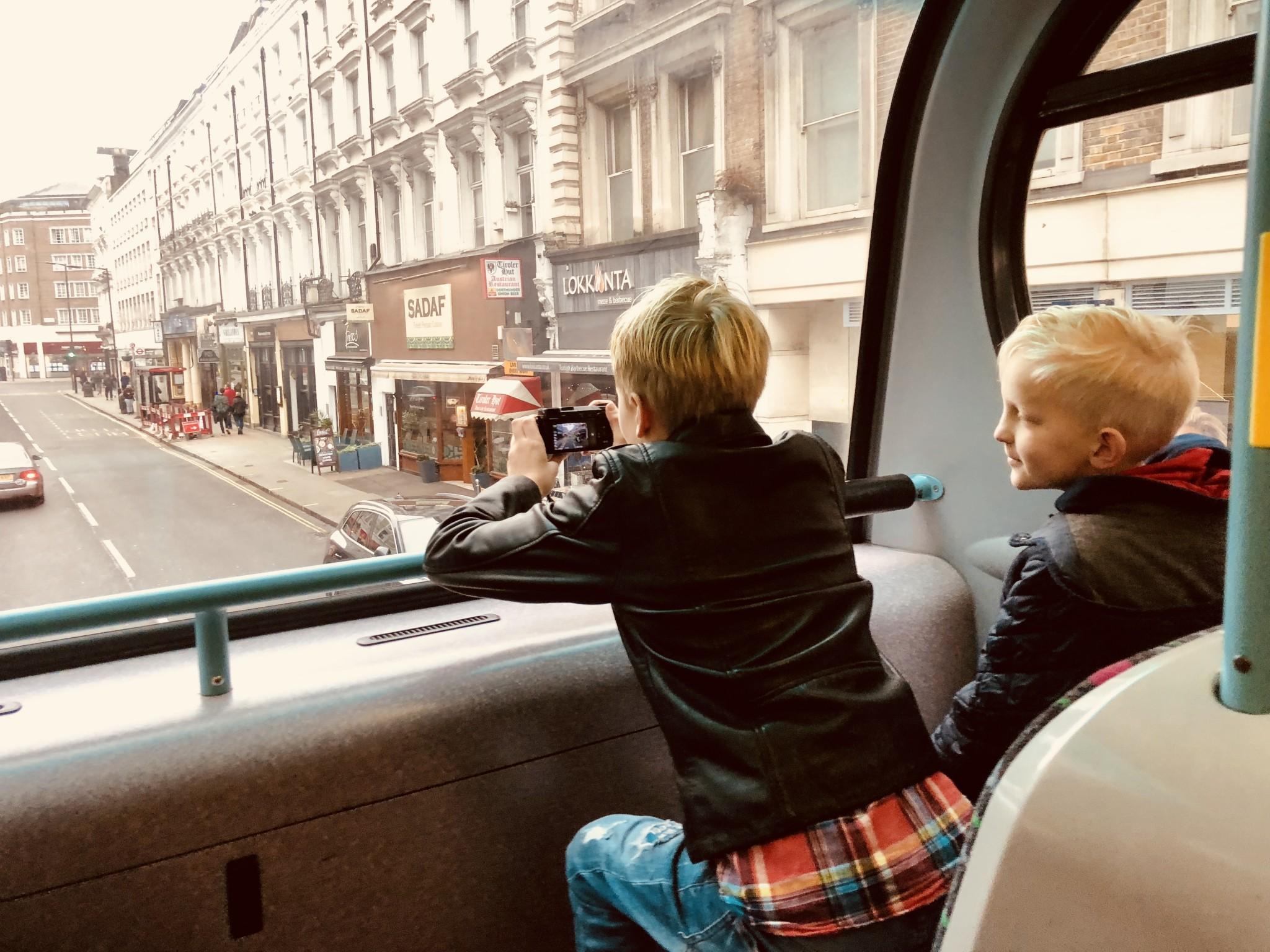 london med barnen buss